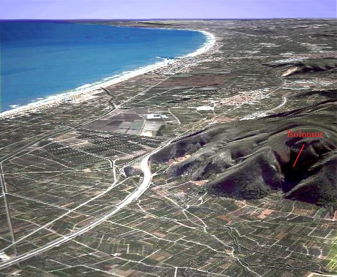 Vista aérea de launión entre La Valldigna y la llanura litoral.